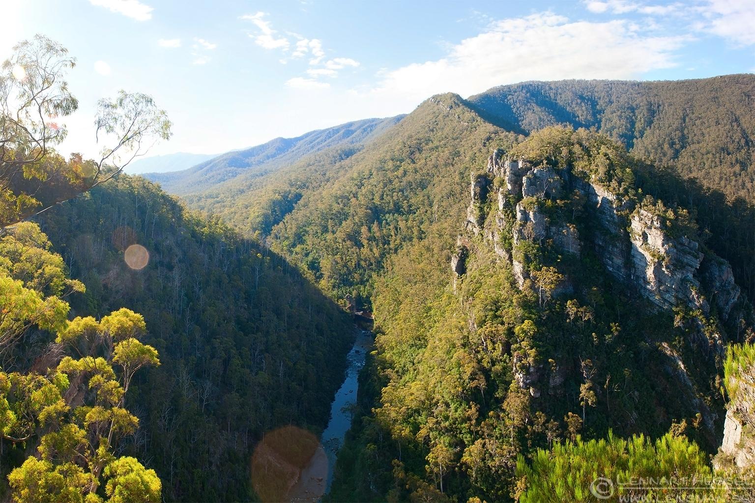 Alum cliffs falls