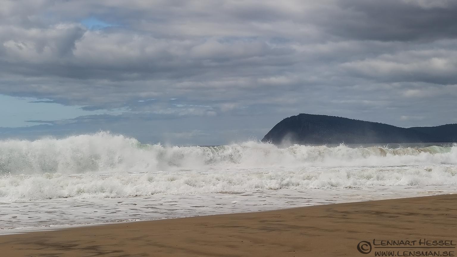 Rolling wave Bruny Island