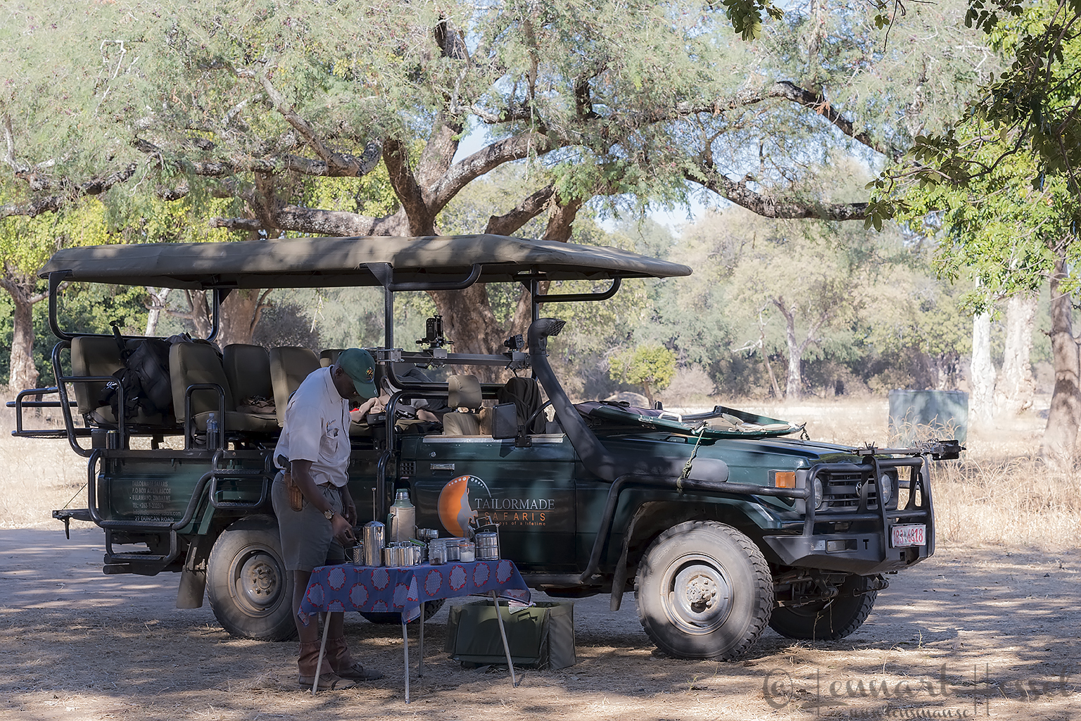 Coffe break Mana Pools National Park Zimbabwe