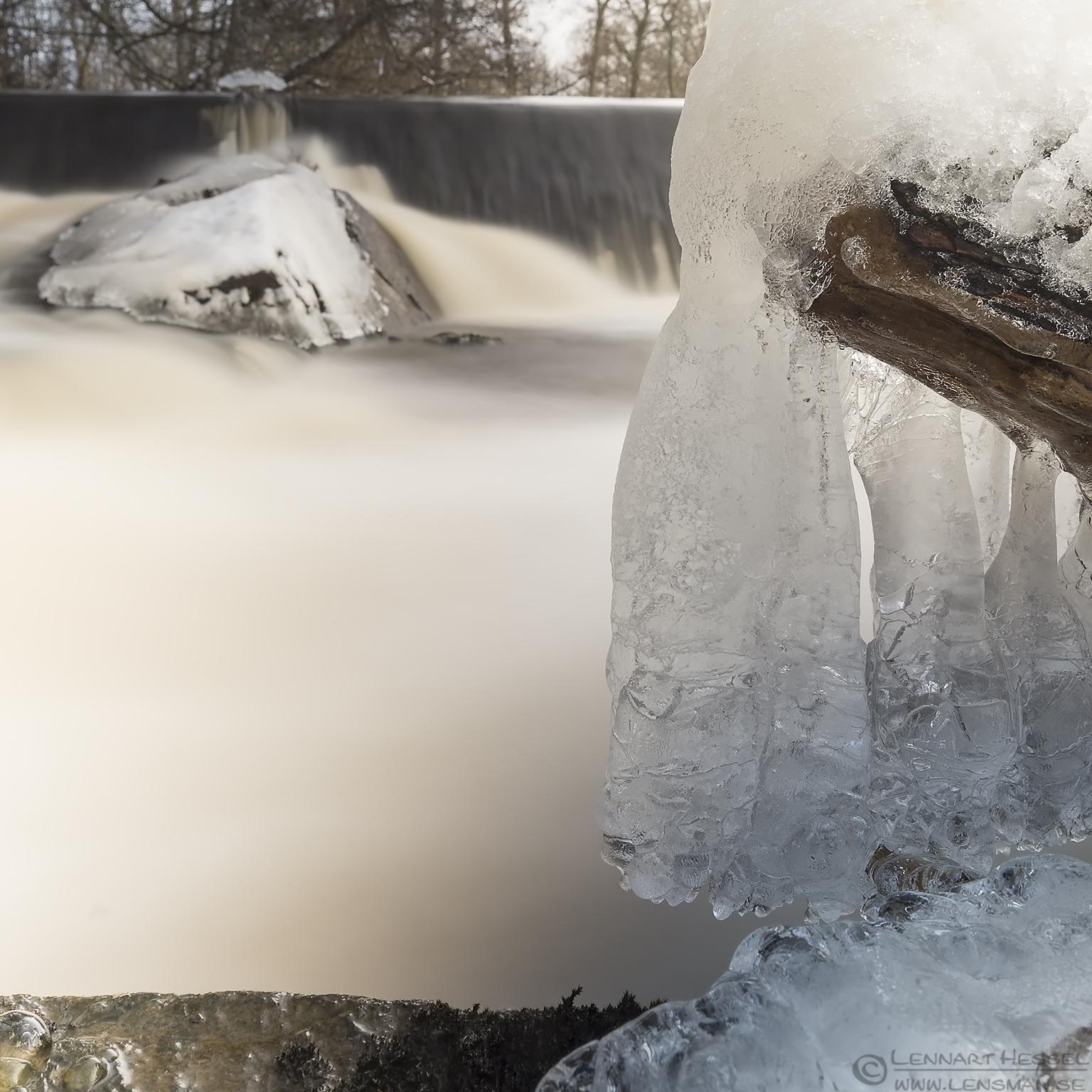 Ice sculpture Främmestad water